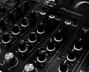 Worst DJ Mistakes and How to Avoid Them